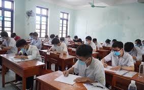 Bình Phước: Trao 10.000 điện thoại thông minh hỗ trợ học sinh nghèo học trực tuyến