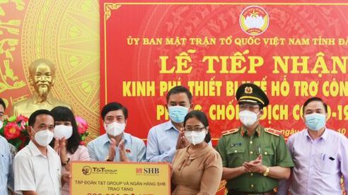 Tổng Thư ký Quốc hội Bùi Văn Cường dự lễ trao tặng kinh phí, trang thiết bị và vật tư y tế cho tỉnh Đắk Lắk
