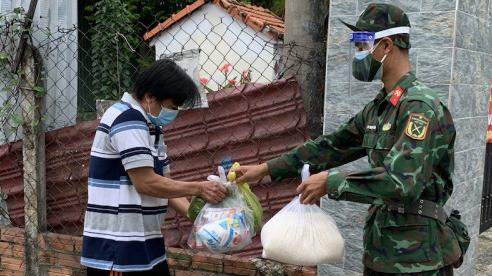 TP Hồ Chí Minh kéo dài thời gianchi tiền hỗ trợ đợt 3 cho người dân khó khăn vì Covid-19