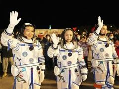 Ba phi hành gia của Trung Quốc bắt đầu sứ mệnh mới trên vũ trụ
