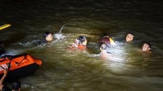 11 học sinh bị đuối nước khi tham gia hoạt động nhặt rác tại Indonesia