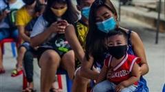 Philippines bắt đầu tiêm vaccine cho thanh thiếu niên