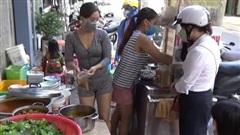 Mở lại hàng quán ở Đà Nẵng, cả người mua và người bán đều vui