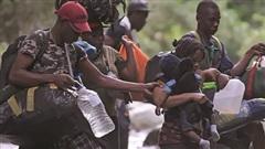 Làn sóng di cư và những đứa trẻ 'tương lai không được bảo hiểm'