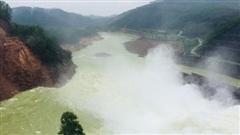 Thừa Thiên-Huế: Mưa lớn, Thuỷ điện Hương Điền điều tiết nước