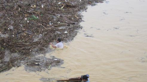 Thi thể 2 cha con được phát hiện dưới suối, cách nhau 200 m