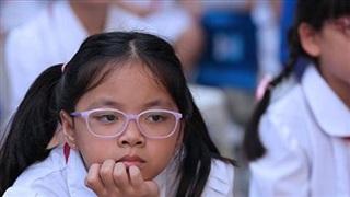 'Cơn sóng' tuần qua: Nam sinh tử vong trong giờ học, giáo viên dạy thêm online