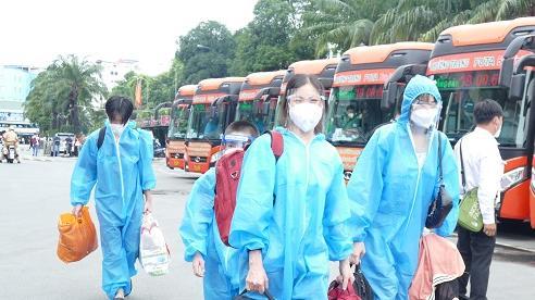 'Chuyến xe 0 đồng' đưa gần 1.000 công dân Hà Tĩnh về quê