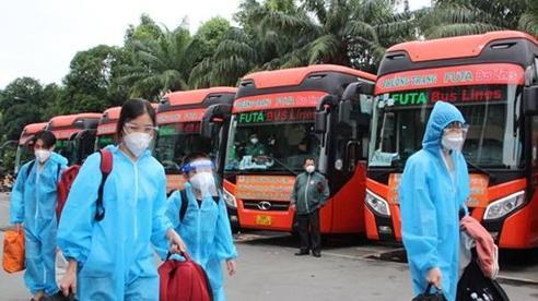Thêm 840 người dân Hà Tĩnh được hỗ trợ về quê miễn phí