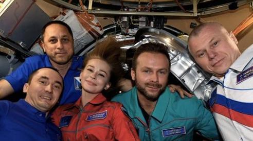 Lần đầu tiên đưa diễn viên lên trạm vũ trụ quay phim ngoài Trái Đất