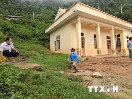 Nghệ An: Hàng chục hộ dân bất an trước nguy cơ sạt lở núi