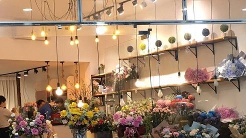 Thị trường hoa 'trầm lắng', siêu thị giảm giá 'sốc' dịp 20/10