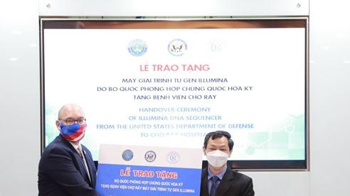 Bệnh viện đầu tiên của Việt Nam tiếp nhận máy giải trình tự gene từ Mỹ