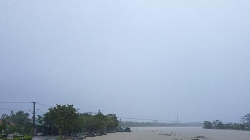 Thừa Thiên Huế: Tìm thấy thi thể vợ chồng bị lật thuyền trên sông Bồ