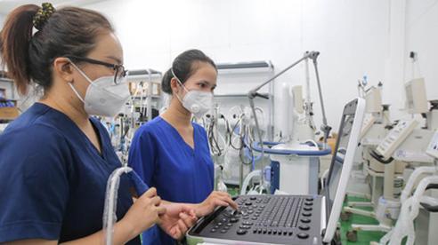 Vượt qua khủng hoảng Covid-19 để vươn lên (*): Đột phá từ ngành y tế