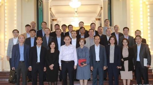 Đoàn Trưởng Cơ quan đại diện Việt Nam tại nước ngoài làm việc với Ban Đối ngoại Trung ương