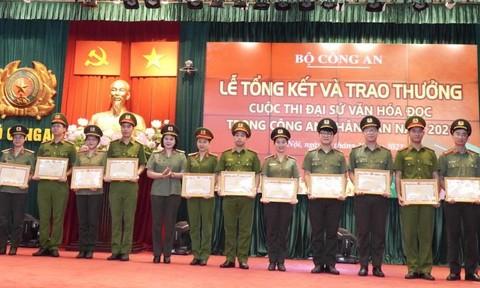 Trao thưởng Cuộc thi Đại sứ văn hóa đọc trong Công an nhân dân