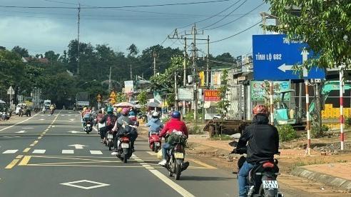 Người Đắk Lắk lại rồng rắn đi xe máy trở lại miền Nam làm việc