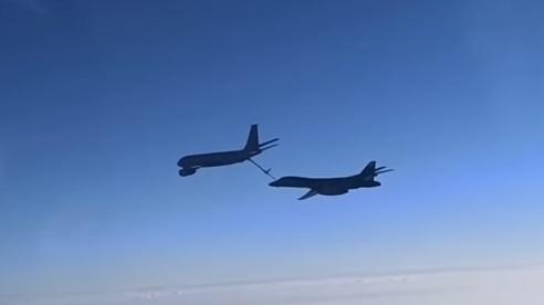 Oanh tạc cơ Mỹ áp sát không phận, Nga điều tiêm kích lên 'hộ tống'