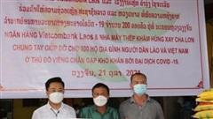 Hỗ trợ kiều bào nghèo tại Lào trong đại dịch Covid-19