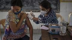 Ấn Độ tiêm 1 tỷ liều vaccine ngừa COVID-19