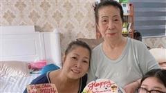 NSND Hồng Vân hạnh phúc bên mẹ và con gái