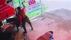 Tìm thấy hung khí vụ án 'đang chơi cờ, người đàn ông bị đập nhiều nhát búa vào đầu tử vong'