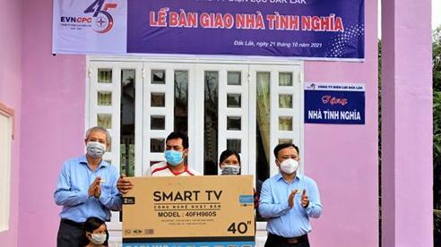 Trao tặng 4 căn nhà tình nghĩa cho các hộ chính sách ở Đắk Lắk