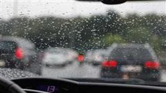 Sáu nguyên tắc lái xe dưới trời mưa của các 'tài già'