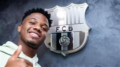 Barca 'trói' số 10 mới Fati đến 2027 bằng 1 tỷ euro