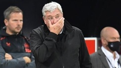 Nhà giàu mới nổi Newcastle sa thải HLV Steve Bruce