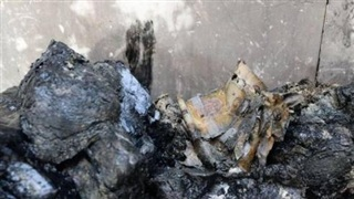 Giới chức Iraq phát hiện hàng trăm bọc tiền do nhóm khủng bố IS cất giấu