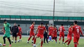 ĐT U23 Việt Nam tập buổi đầu tiên tại Bishkek dưới thời tiết khắc nghiệt