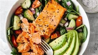 3 công thức làm món salad cá hồi cực chuẩn