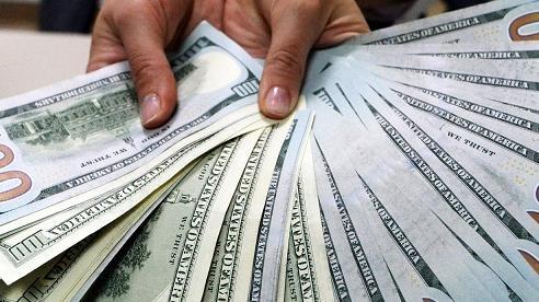 Triệu phú Trung Quốc buộc nhân viên ngân hàng đếm thủ công 50 nghìn tờ tiền vì lý do không ngờ