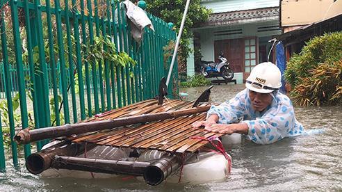 Mưa lũ dồn dập ở Trung Bộ, tổng lượng mưa có nơi đến 1.000mm