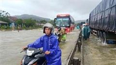 Mưa lớn nhiều ngày liền, miền Trung ngập lụt trên diện rộng