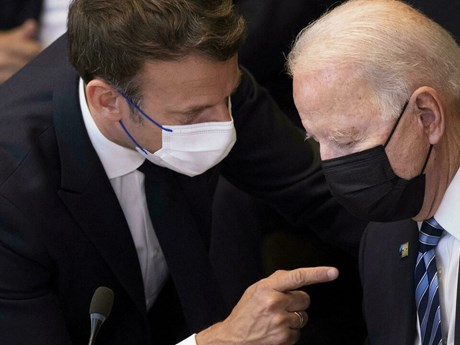 Tổng thống Mỹ-Pháp thảo luận về vấn đề tăng cường phòng thủ châu Âu