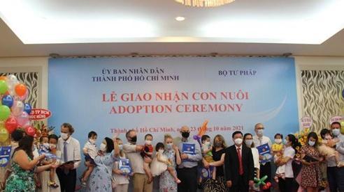 Giao nhận con nuôi cho 91 gia đình thuộc 8 nước châu Âu