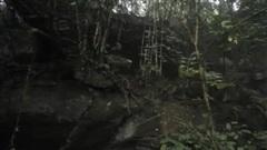 'Người rừng' Ma Sèo Chứ và cuộc truy tìm xuyên 2 thế kỷ (P1): Va chạm với 'phù thuỷ'