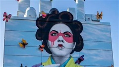 Nghệ sĩ đường phố gây sốt với tranh tường cao ngất
