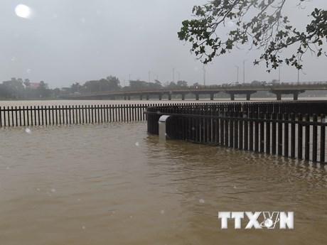 Thừa Thiên-Huế: Nhiều khu vực bờ sông, bờ biển sạt lở nguy hiểm