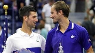 Tay vợt Medvedev ủng hộ Djokovic trước thềm Australian Open 2022