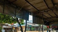 Hàng nghìn người dân ở Quảng Ngãi phải sơ tán khi nhà bị ngập sâu