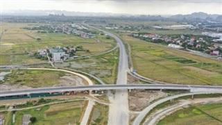 Toàn cảnh tuyến cao tốc Bắc - Nam đoạn Cao Bồ - Mai Sơn dự kiến thông xe vào cuối năm nay