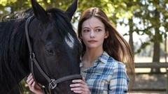 Sửng sốt nhan sắc của sao nhí phim 'Twilight' dậy thì sau 9 năm