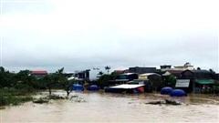 Mưa lũ gây nhiều thiệt hại tại Quảng Nam và Quảng Ngãi