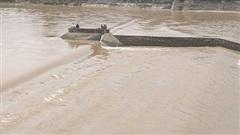 Tàu chở đoàn cán bộ Sở GTVT tỉnh Quảng Trị gặp nạn, 1 chủ doanh nghiệp mất tích
