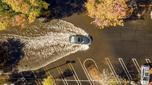 Cơn bão kỷ lục kết thúc thời kỳ hạn hán ở tiểu bang California, Mỹ