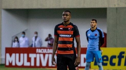 Trung vệ Brazil thanh lý hợp đồng với CLB HAGL